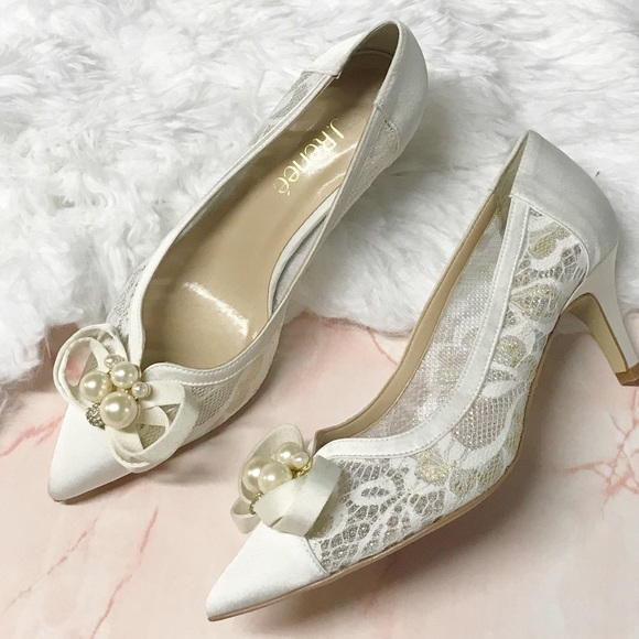 J Renee Off White Lace And Pearls Bride